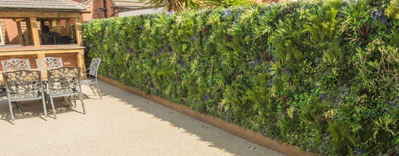 Top 6 benefits of vertical gardens