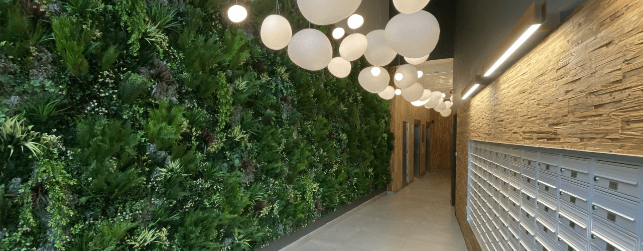 Artificial green walls vs real green walls