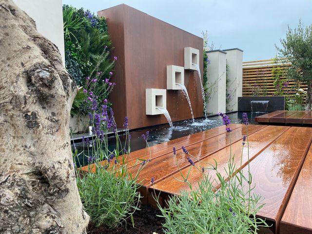 Private Garden Green Wall