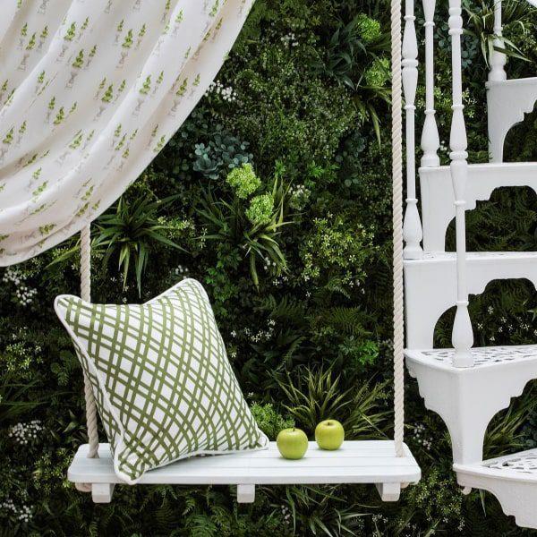 Adaptable Artificial Green Wall