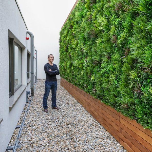 Hilton Hotel Green Wall